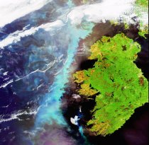 A_plankton_bloom_across_Ireland_captured_by_Envisat_fullwidth